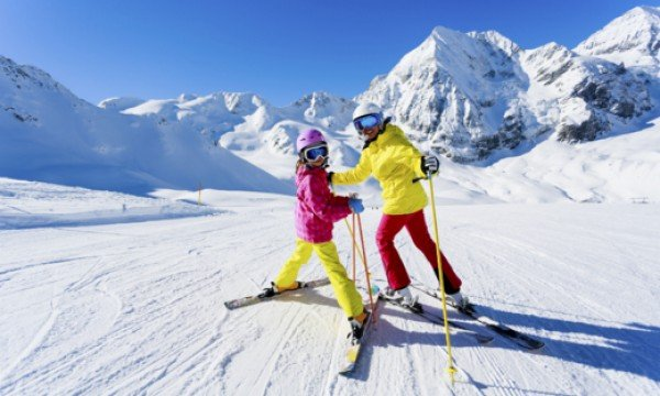 How to Choose the Right Ski Resort for your Family
